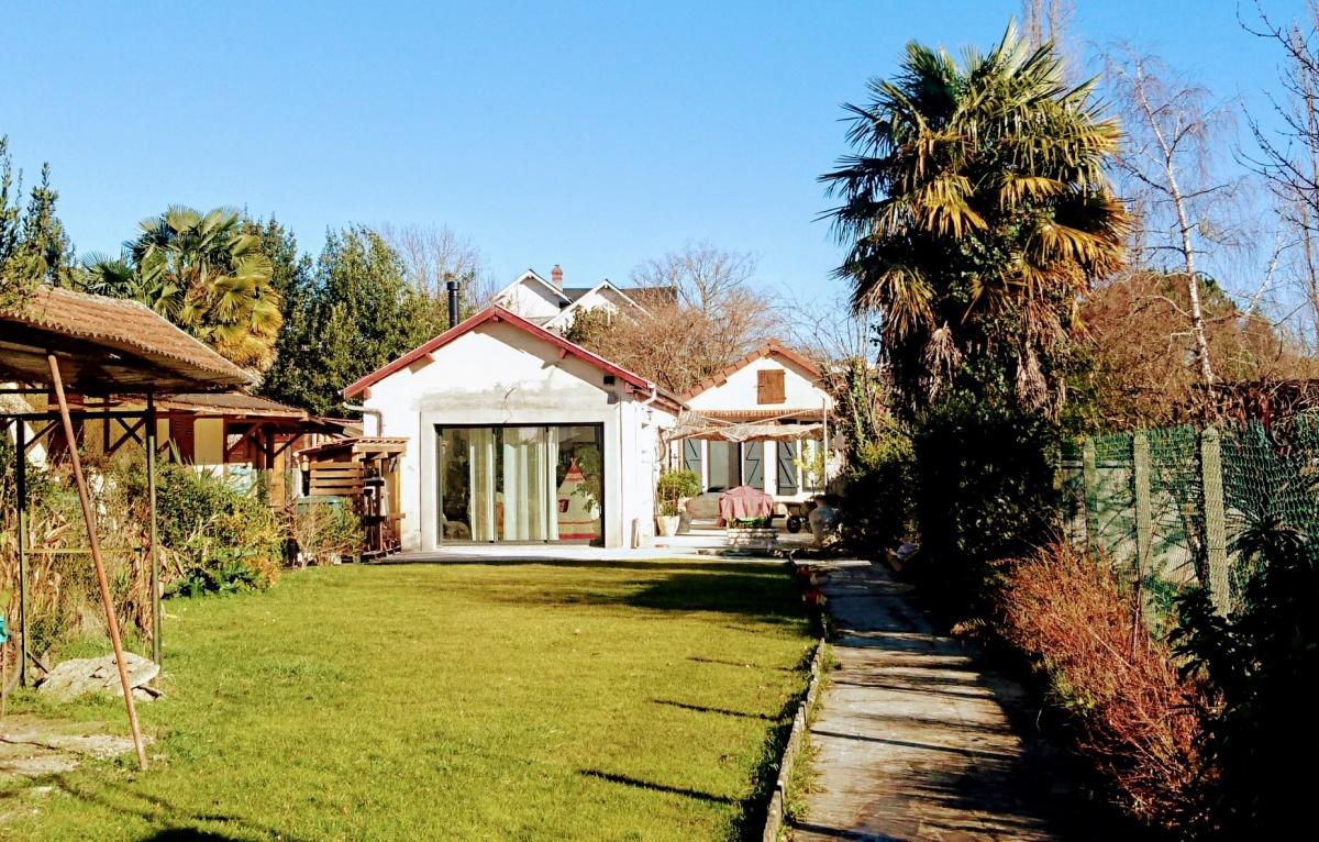 Rénovation et extension d'une maison en fond de parcelle : 83513097_3003897146309316_682478914743828480_o