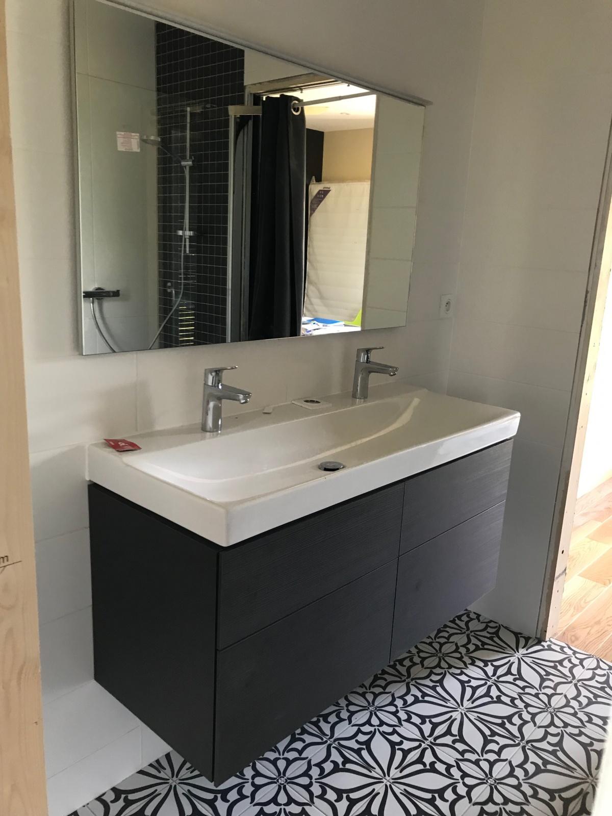 Maison individuelle à ossature bois BBC : Salle de bain parentale