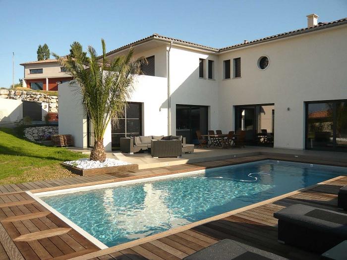 Villa contemporaine BBC : piscine maison bbc contemporaine ecole boulle