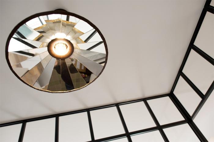 Pavillon des années 50 : Y+S-ST-MAUR-LAMPE-ENTREE