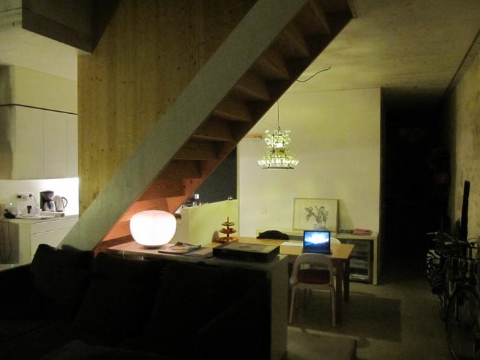 Maison Mayaudon : sejour, escalier, cuisine